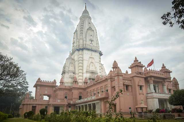 New Vishwanath Temple is a magnificent architectural masterpiece IN Varanasi