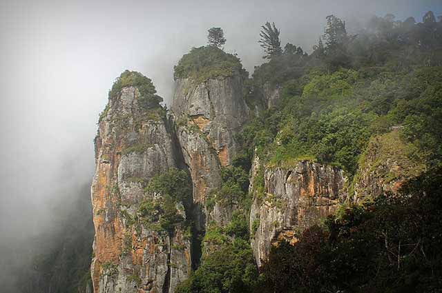 Pillar Rocks is famous tourist place in kodaikanal