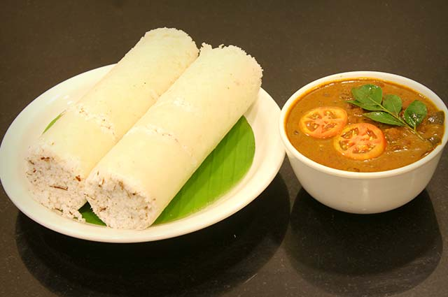 Puttu and Kadala Curry is one of the popular kerala food