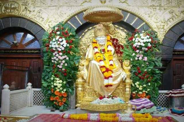 Shri Sai Baba Sansthan Temple is one of the famous temple in Shirdi