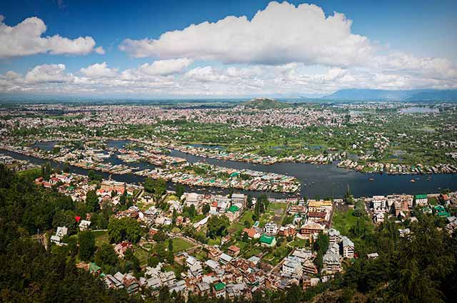 Srinagar is the best places to visit in Kashmir