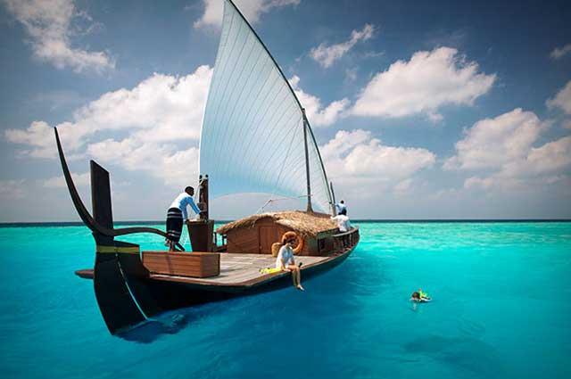 Top 5 Reasons To Honeymoon In Maldives: Honeymoon In Maldives, Honeymoon Places In Maldives