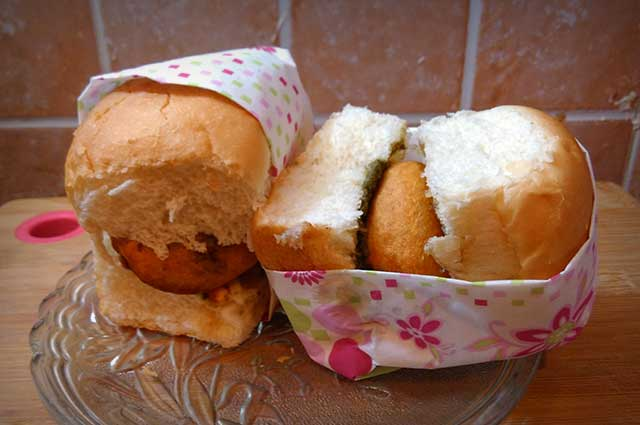 Vada Pav stands first in the race of the street food of Mumbai