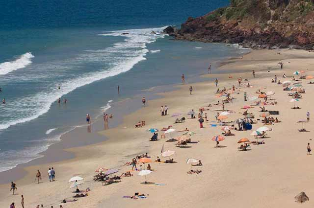 Varkala Beach considered as a famous beach in Kerala