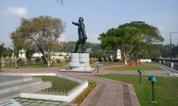 Neetaji Subhash Chandra Bose's statue was founded in Marina Park
