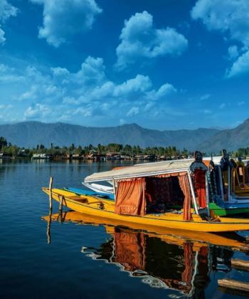 Shikara in Dal lake