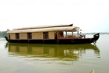 Three bedroom houseboat - 1
