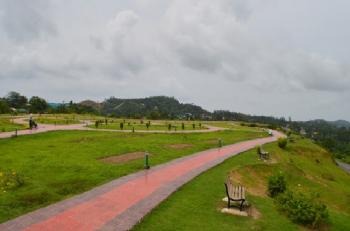 Jogger's Park Airport Runway View Point