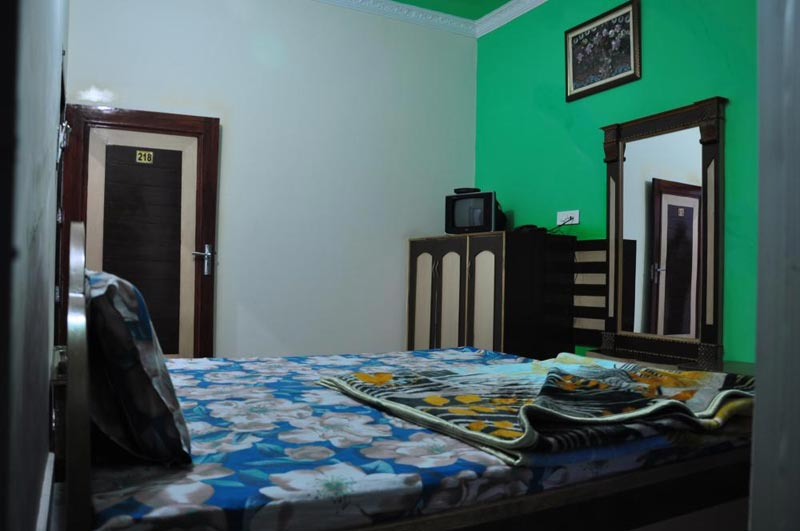 Ordinary Room 2
