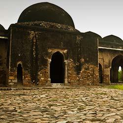Begumpuri Masjid in Delhi
