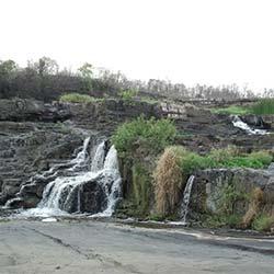 Bhatinda Waterfall in Dhanbad