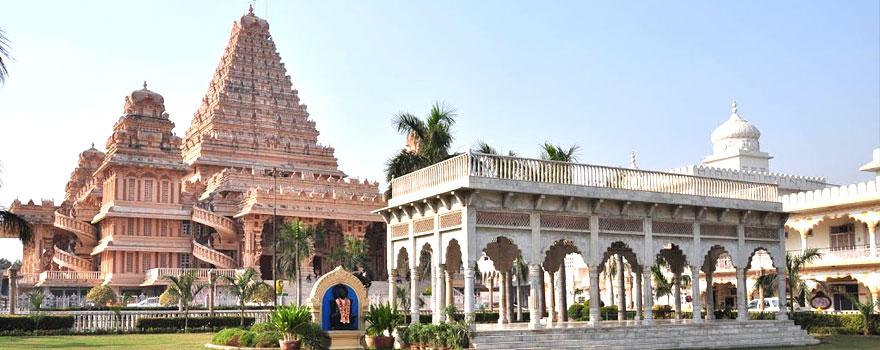 Chattarpur Mandir in Delhi
