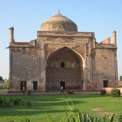 Chini-Ka-Roza in Agra