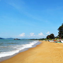 Devbagh Beach in Karwar