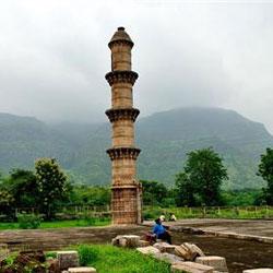 Ek Minar ki Masjid in Raichur