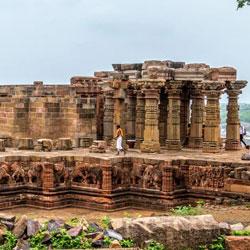 Elegant Sculpted Siddhanatha Temple in Omkareshwara