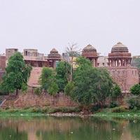 Hauz-i-Shamsi(Hauz) in New Delhi