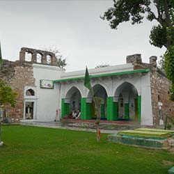 Hazrat Nizamuddin Auliya in Delhi
