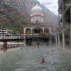Hot Springs Manikaran in Manikaran