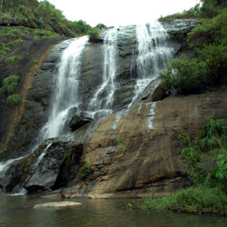 Kalhatti Falls in Ooty