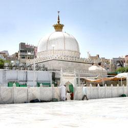 Khwaja Moinuddin Chistis Dargah in Ajmer