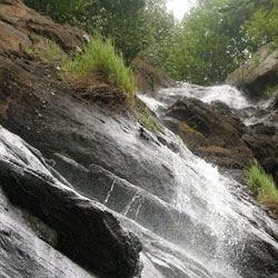 Killiyur Falls in Yercaud