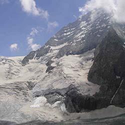 Kolahoi Glacier in Sonamarg