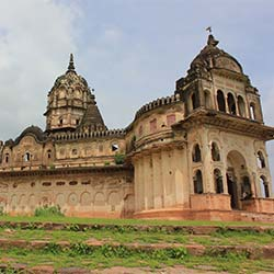 Lakshminarayan Temple Orchha in Orchha