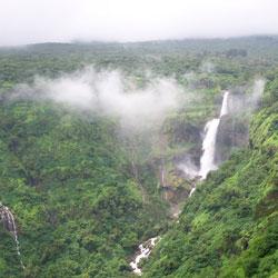 Lingmala Falls in Mahabaleshwar
