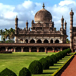 Mehtar Mahal in Bijapur