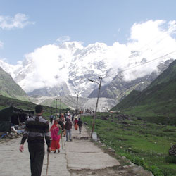 Mountain Trekking in Kedarnath Valley in Garhwal