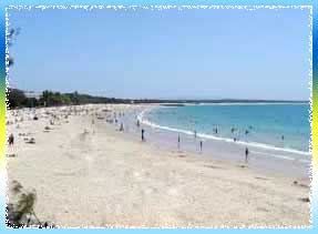 Noosa Main Beach in Sunshine Coast