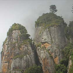 Pillar Rocks Viewpoint in Kodaikanal