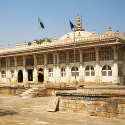 Sarkhej Roza in Ahmedabad