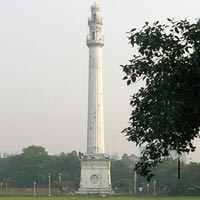 Shaheed Minar in Kolkata