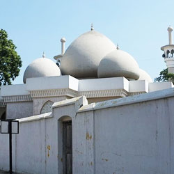Thousand Lights Mosque in Chennai