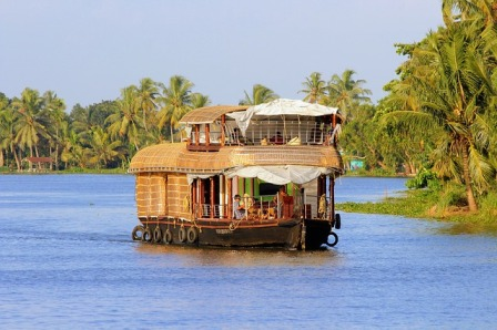 Kerala Houseboat Package For Family.