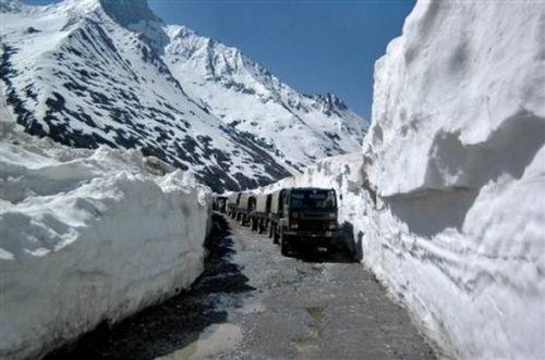 Exclusive Ladakh Via Manali Tour