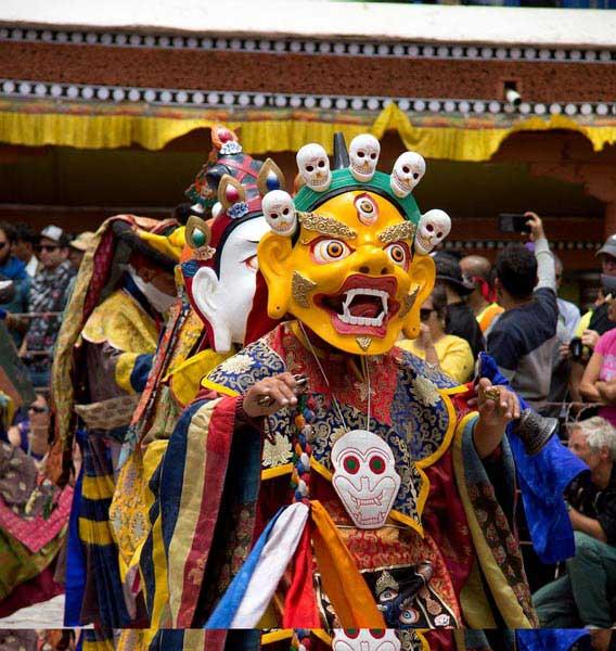 Festive Ladakh Drive In Kalachakra & Hemis Tour.