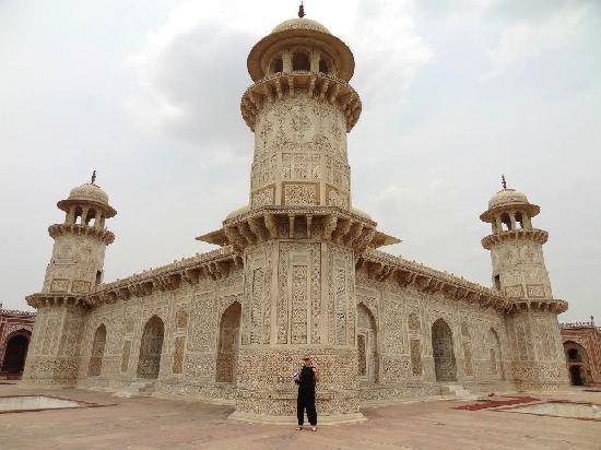 Taj Mahal Day Tour From New Delhi By Train