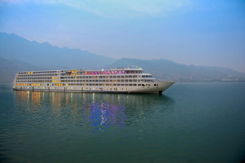 Private 12 Days Amazing Yangtze River Cruise Tour Package