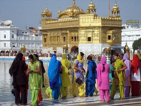 Himachal With Amritsar Honeymoon Tour