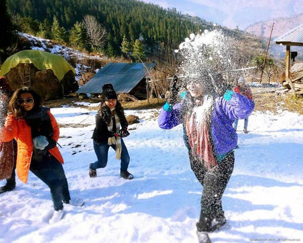 Season Manali 5 Nights 6 Days Family Suite Tour Package