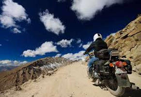 Discover Ladakh By Bike Tour