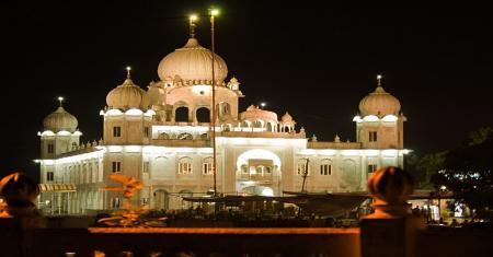 Car Rental Package: Chandigarh And Gurudwara Tour For 3 Days