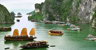 Singapore / Cruise / Cambodia / Vietnam Tour 11 Days