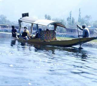 Chill Kashmir Tour