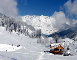 Skiing At Around Manali Area Package