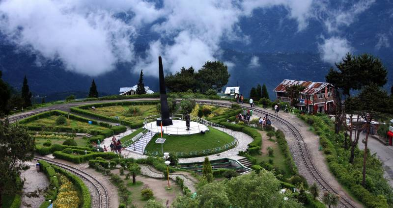 Gangtok- Pelling- Darjeeling Tour