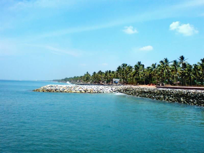 Beach & Backwater - Kerala
